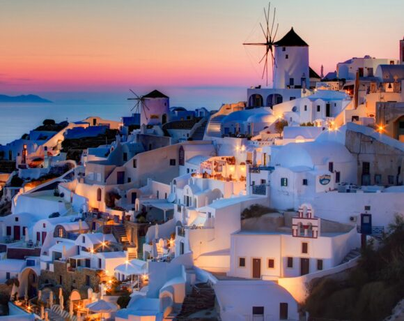 Έρευνα: Πού θα ταξιδέψουν οι Αμερικανοί και Ευρωπαίοι τουρίστες – Η θέση της Ελλάδας