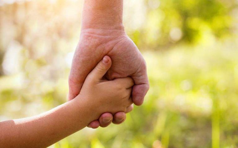 Αναδοχή παιδιών: Μηνιαίο επίδομα έως 1