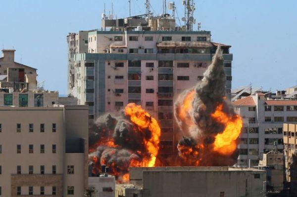 Γάζα: Ο Νετανιάχου βομβαρδίζει γραφεία δημοσιογράφων για να «θάψει» τα εγκλήματα πολέμου