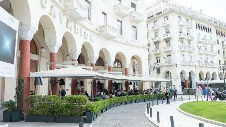 Θεσσαλονίκη: Στο 80% οι κρατήσεις στην εστίαση για την Τρίτη – Κρατήσεις μέχρι και τα τέλη Αυγούστου