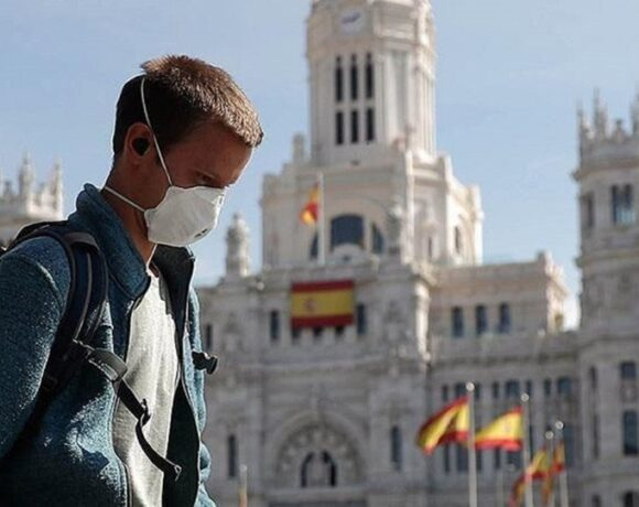 Ισπανία: Πτώση κατά 76% στις τουριστικές αφίξεις τον Μάρτιο