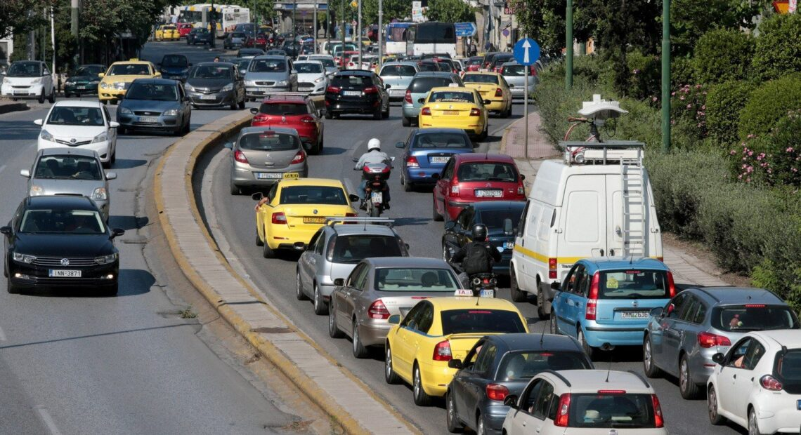Κορωνοϊός: Αλλάζει από τη Δευτέρα 3 Μαΐου η απαγόρευση κυκλοφορίας – Τι ωράριο θα ισχύει