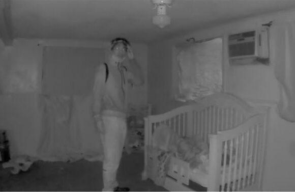 Ο εφιάλτης κάθε γονιού: Η στιγμή που απαγωγέας αρπάζει 4χρονο από την κούνια του – Βίντεο σοκ