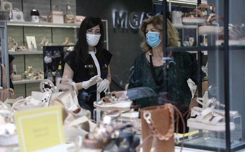 Παυλάκης: Μην πετάξετε μάσκες, θα τις φοράμε φθινόπωρο και χειμώνα