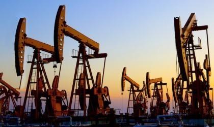 Πετρέλαιο: Κέρδη 4,3% και 3,5% για Brent και WTI τον Μάιο