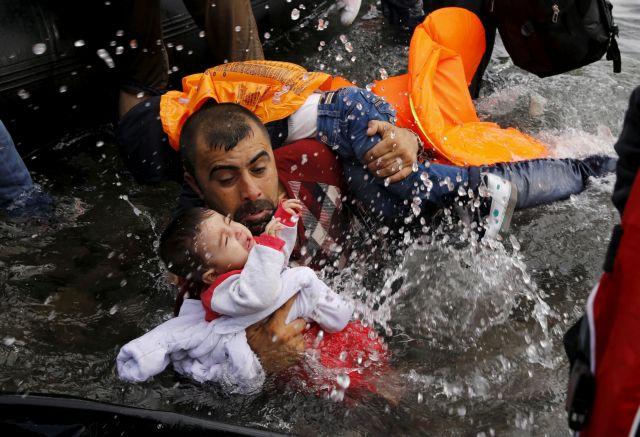 Προσφυγικό – Βρετανία: Οι αυστηρότεροι έλεγχοι των συνόρων γεμίζουν τις τσέπες των διακινητών