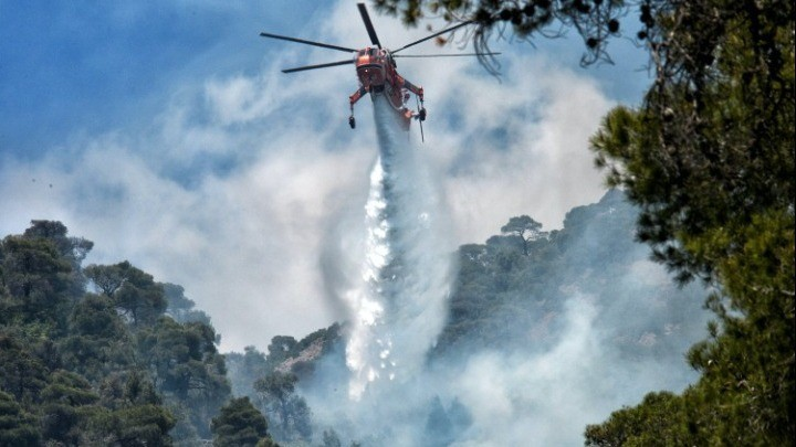Πυροσβεστική: Θέμα χρόνου να δοθεί και επίσημα σε ύφεση η πυρκαγιά στα Γεράνεια Όρη