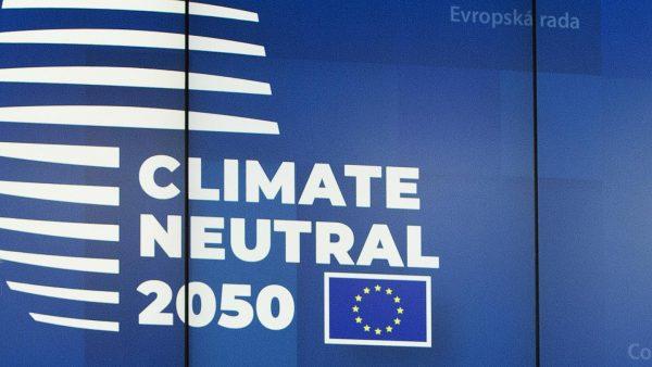 Σκληρό παζάρι στην ΕΕ: Ποιος θα πληρώσει για την «πράσινη μετάβαση»;