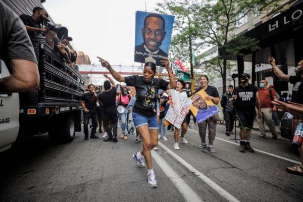 Τζορτζ Φλόιντ: Διαδηλώσεις στη Μινεάπολη ένα χρόνο μετά τη δολοφονία του