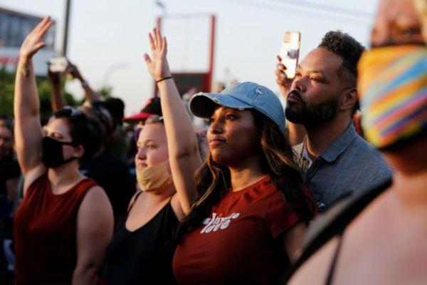 Τζόρτζ Φλόιντ: Στον Λευκό Οίκο η οικογένεια – Ζητά μεταρρυθμίσεις στην αστυνομία