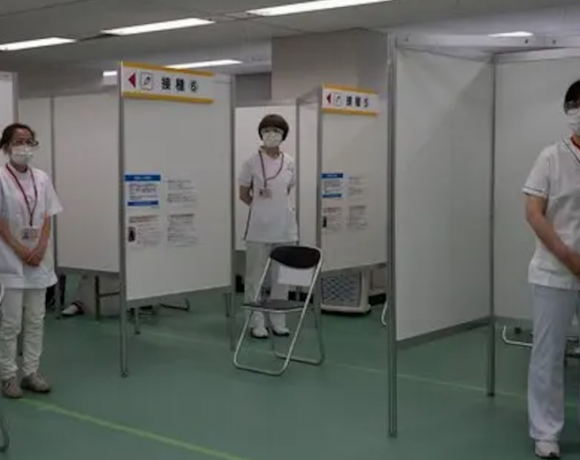 Τόκιο 2020: Άνοιξαν 2 μεγάλα εμβολιαστικά κέντρα
