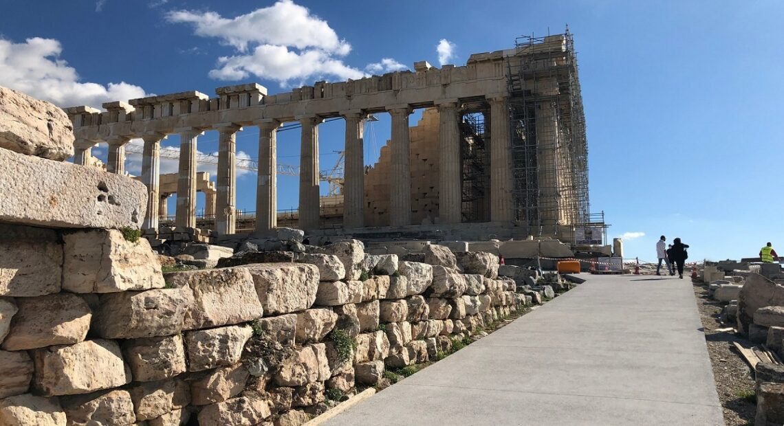 Greece OKs Dior Photo Shoot at Acropolis Ahead of 'Croisière 2022' Athens Show