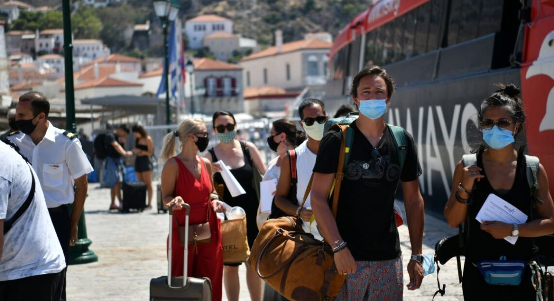 Greek Authorities Preparing to Allow Domestic Travel with Rules