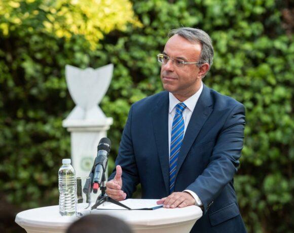 Greek FinMin Pledges €400m to Support Tourism