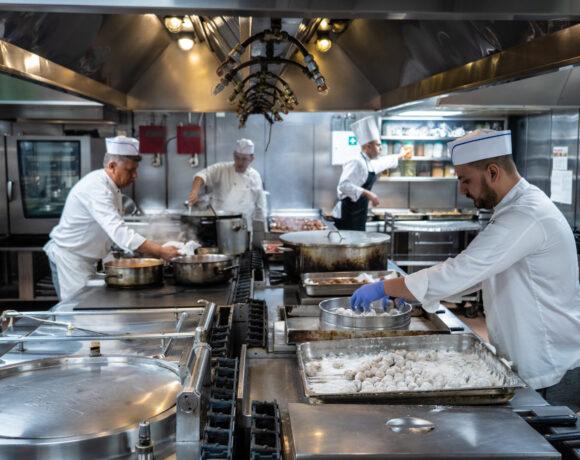 «Hotel Kitchen: Εδώ το φαγητό έχει αξία»: Τα ξενοδοχεία στην Ελλάδα μπορούν να μειώσουν τη σπατάλη τροφίμων