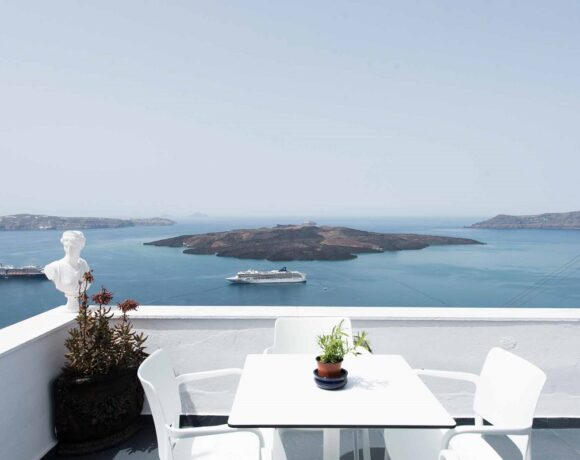 Kastro Suites on Santorini will Open its Doors on May 9