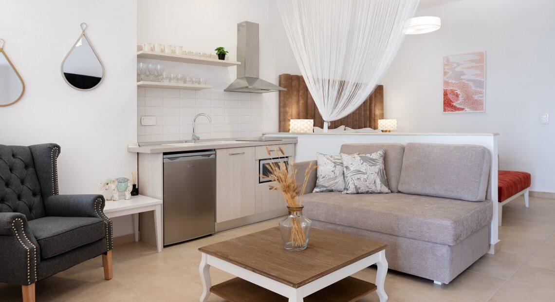 Komitsa Luxury Apartments in Halkidiki Opens its Gates
