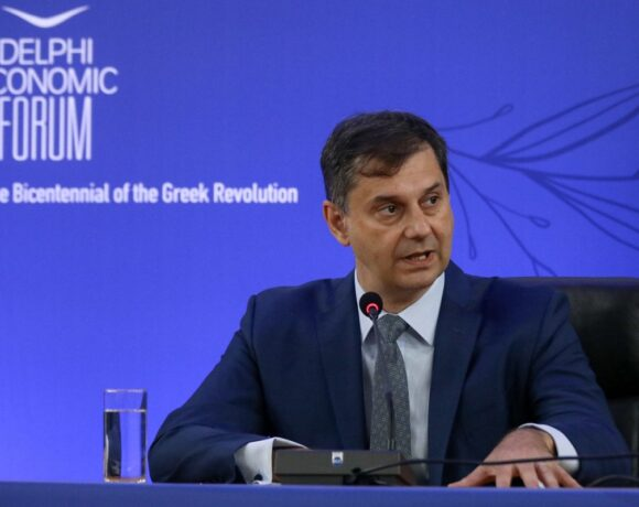 Minister Theoharis: Greece Tourism Opening in the Spotlight