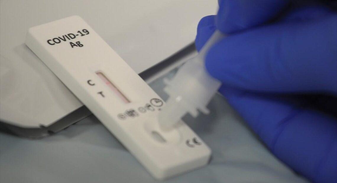 Self test: Καθοριστική ημέρα η 15η Ιουνίου – Σταματούν για τους πλήρως εμβολιασμένους