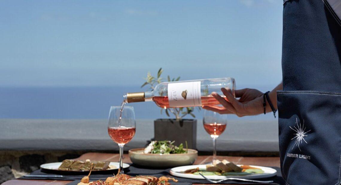 Amber Light Villas Promises Unforgetable Holidays on Santorini