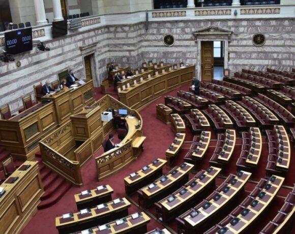 Βουλή: Υπερψηφίστηκε το ψηφιακό πιστοποιητικό