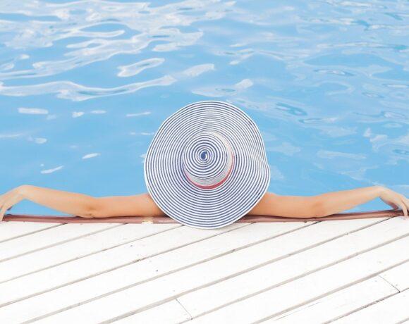 Κοινωνικός Τουρισμός: Επίδομα για καλοκαιρινές διακοπές – Οι δικαιούχοι και οι προϋποθέσεις