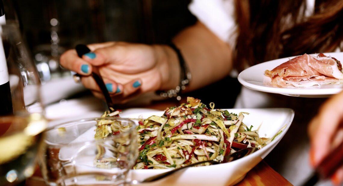 Κορωνοϊός: Ποιοι κινδυνεύουν περισσότερο με βάση τη διατροφή τους