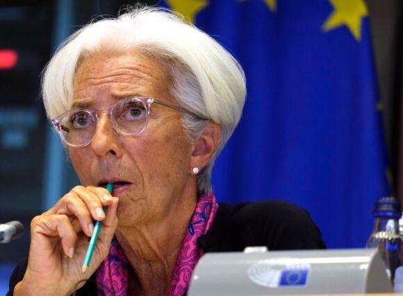 Λαγκάρντ: Οι προοπτικές για την οικονομία της ευρωζώνης βελτιώνονται