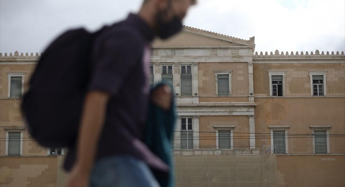 Παγκόσμια Ημέρα Περιβάλλοντος: Πώς οι ελληνικές πόλεις μετατρέπονται σε θερμικές νησίδες λόγω κλιματικής αλλαγής