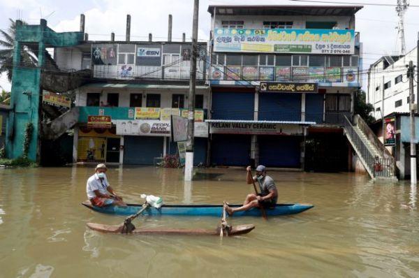 Σρι Λάνκα: 16 νεκροί από πλημμύρες και κατολισθήσεις