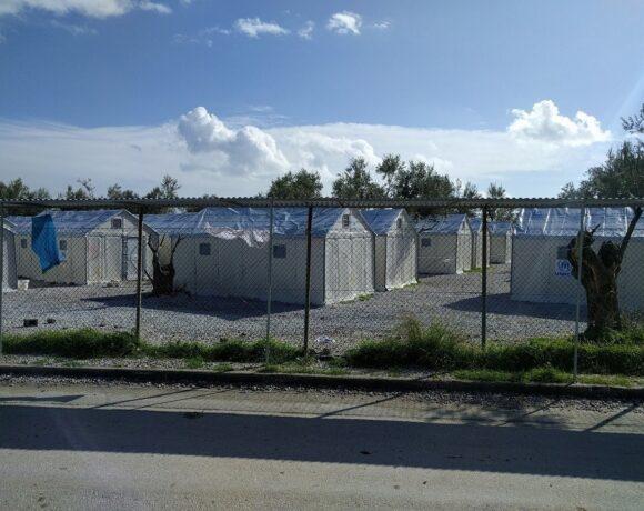 DW: Από τους πρόσφυγες κερδίζει η αμυντική βιομηχανία