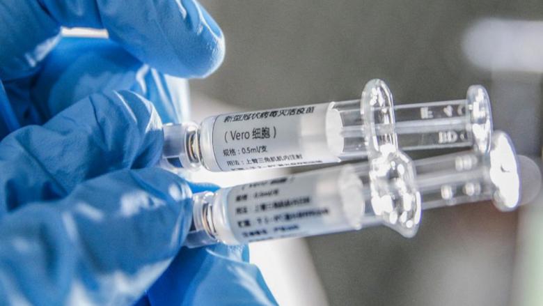 EMA: Τα εμβόλια που έχουν εγκριθεί προστατεύουν από τα στελέχη που κυριαρχούν στην Ευρώπη