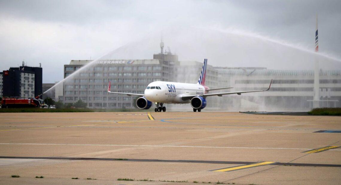 SKY express Begins Direct Athens – Paris Service