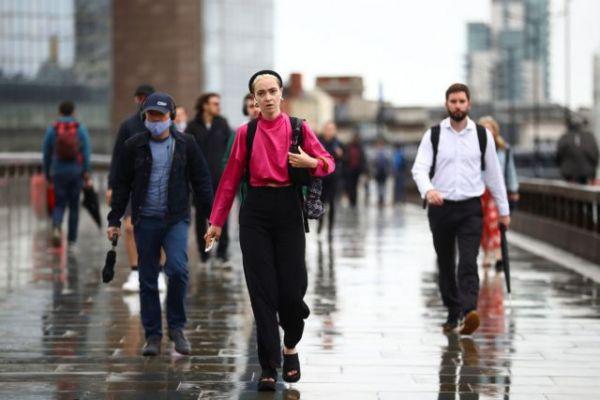 Βρετανία: Τετραπλασιασμός των κρουσμάτων κοροναϊού τον Ιούνιο