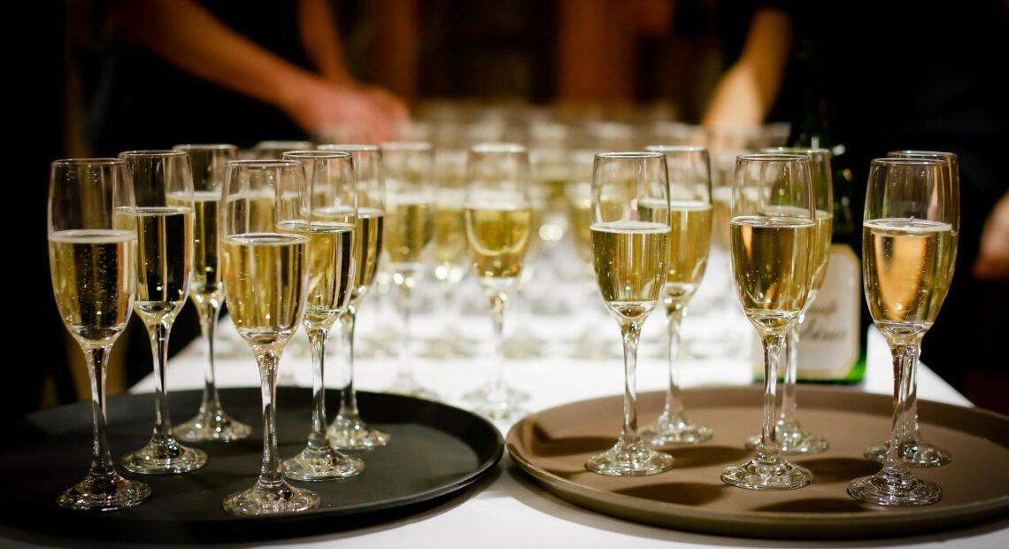 Γαλλία-Ρωσία: Συνομιλίες για την ετικέτα στα μπουκάλια της γαλλικής σαμπάνιας
