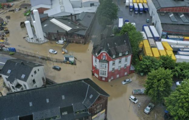Γερμανία: 4 νεκροί και 30 αγνοούμενοι λόγω της σφοδρής κακοκαιρίας – Κατέρρευσαν έξι σπίτια