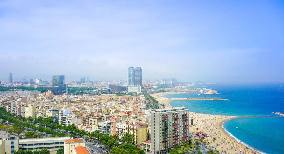 """Για """"κύμα"""" ακυρώσεων διεθνών τουριστών φοβάται ο ισπανικός Τουρισμός   Επιβράδυνση του ρυθμού κρατήσεων"""