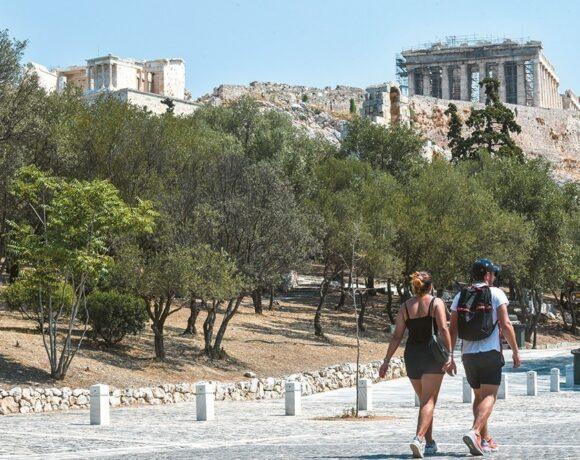 Ζαχαράκη: Γερμανοί, Πολωνοί και Αμερικανοί «στηρίζουν» τον ελληνικό τουρισμό