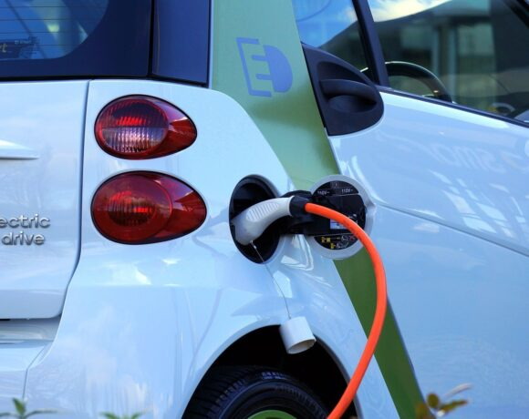 Ηλεκτρικά αυτοκίνητα: Οι χώρες με τους περισσότερους φορτιστές – Η θέση της Ελλάδας