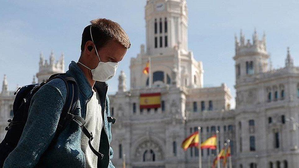 Ισπανία: Ανεμβολίαστοι το 80% των νέων κρουσμάτων κορωνοϊού