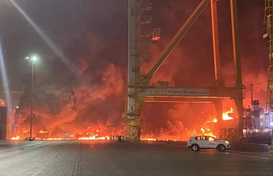 Ισχυρή έκρηξη στο Ντουμπάι: Συγκλονιστικές εικόνες