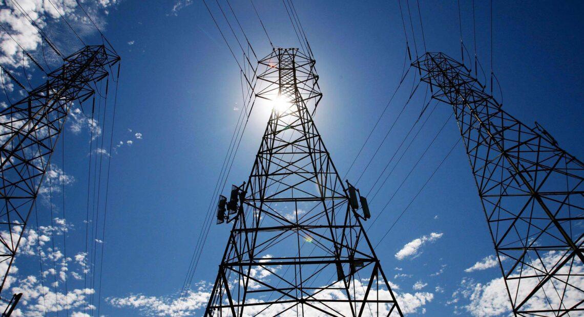 «Καμπανάκι» από IEA: Η ζήτηση για ηλεκτρική ενέργεια αυξάνεται πιο γρήγορα σε σχέση με τις ΑΠΕ