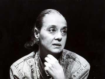 Μάγια Λυμπεροπούλου: Από τον Κουν, στο Εθνικό και ΔΗΠΕΘΕ Πάτρας