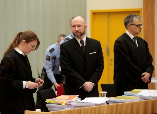 Νορβηγία: Δέκα χρόνια από το μακελειό με τους 77 νεκρούς – «Δεν μπορούμε να αφήσουμε το μίσος χωρίς απάντηση»