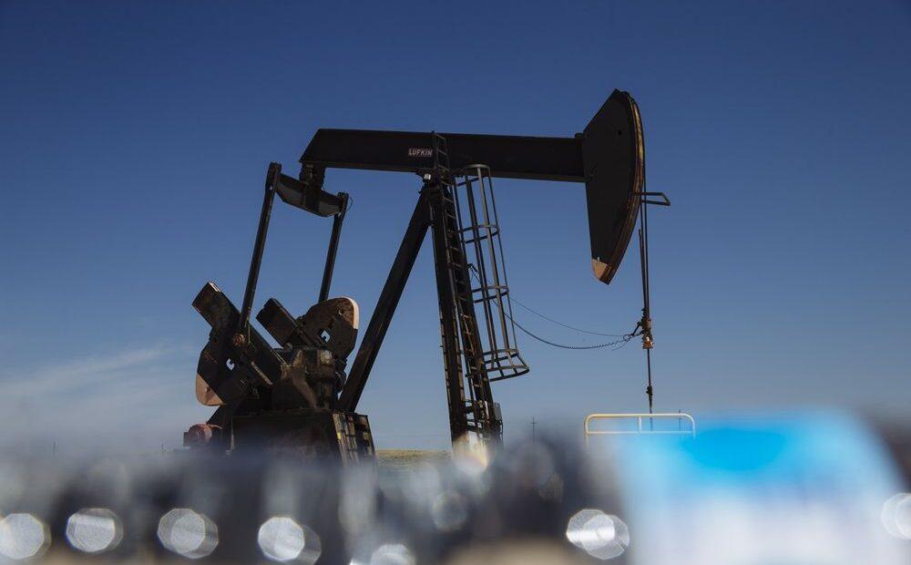 Πετρέλαιο: Απώλειες άνω του 1%
