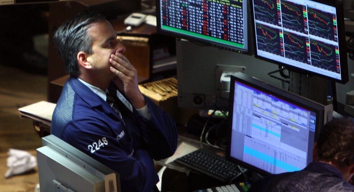 Πτωτικά και οι ευρωαγορές μετά τις απώλειες σε Ασία και Wall Street