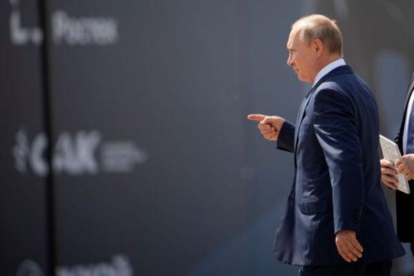 Ρωσία: Να επιταχυνθεί ο ρυθμός του εμβολιασμού ζήτησε ο Πούτιν