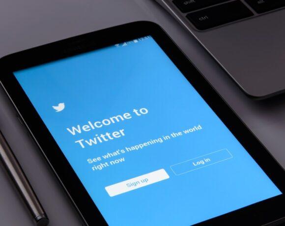 Ρωσία: Πρόστιμα σε Facebook και Twitter για απαγορευμένο περιεχόμενο