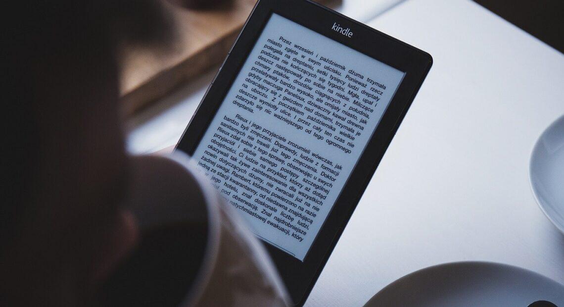 Στο 6% αντί 24% ΦΠΑ τα e-books και τα audio books