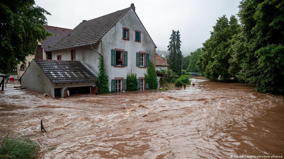 Φονικές πλημμύρες στη Γερμανία: Η ποσότητα βροχής που έπεσε ήταν 20πλάσια του μέσου όρου
